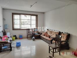 翠湖新城精装三房租2000 出行购物方便