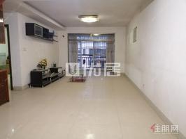 翠湖新城精装四房仅租2200 有露台