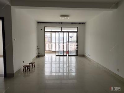 五一路 -翠湖新城空房出租租1400 看房方便 户型方正