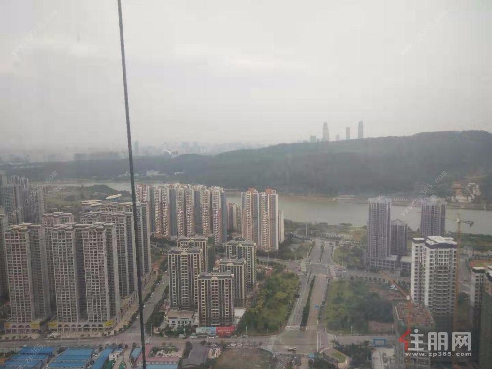 南宁五象总部写字楼 宝能环球中心 600-2500平全球招租 首租优惠多多!