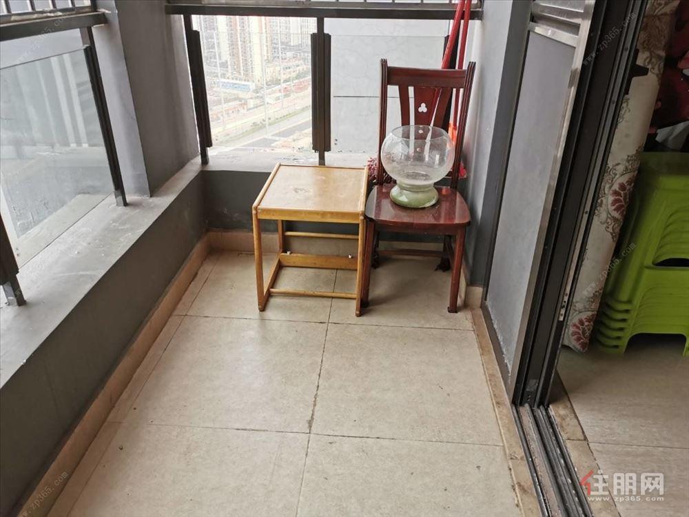 合景天汇广场 地铁口 出行方便不近路边精装三房 配齐伶包入住