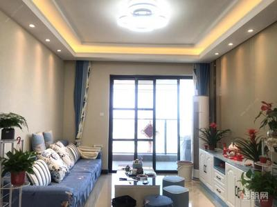 凤岭北,东盟万达旁 荣和公园大道舒适三房 租3800带车位出租