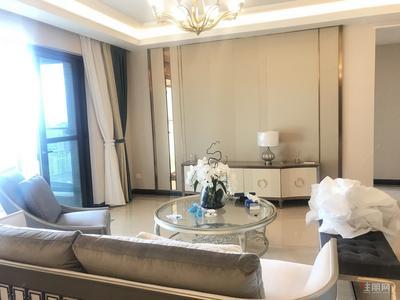凤岭北-荣和公园大道豪装四房 欧式配置 接待居家均可 车位
