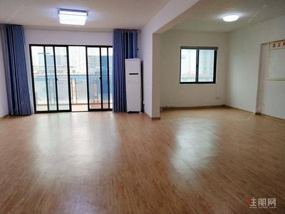 長湖-辦公兩車位出租長湖景精裝3房,配空調,房子改過合適辦公
