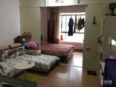 柳沙-青秀 柳沙国宾区 滨湖路小学半岛康城 房子精装配齐拎包入住 仅租1550月