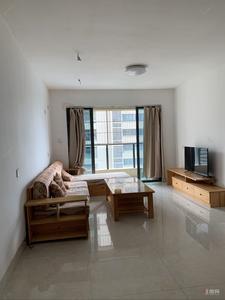 民生-绿城3房,钥匙在脖子上,房间采光明亮,保养很好。