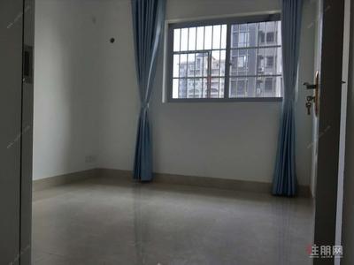 五象大道-五象,江悦蓝湾,地铁在家门口,对面后面航洋城,随时看房。