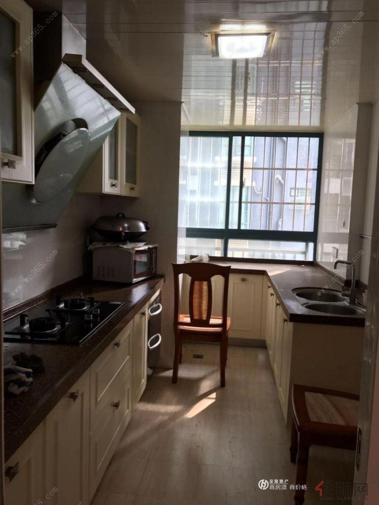 万象城地铁一号线F出口旁边 德瑞花园  精装3房 看房方便