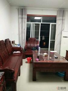 凤岭南-三房出租,房子干净整洁,配套齐,随时入住,地铁口,车站附近,交通便利