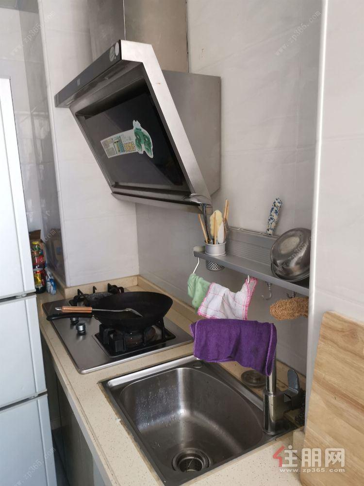 五象新区地铁三号线站口【碧水天和】,精装修三房,家具家电配齐,有钥匙,随时看房