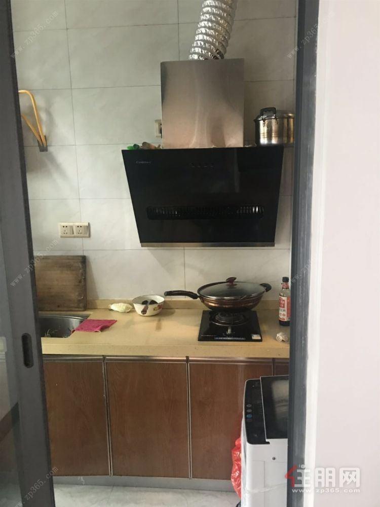 五象总部基地地铁口物业【云星钱隆首府】,精装修一房一厅,拎包入住,有钥匙,随时看房