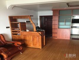七里香江 公园景观房 三房两厅出租 家具家电齐全 木地板装修
