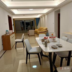 良庆镇-超好的地段,可直接入住,云星钱隆首府(B区) 7900元 6室2厅4卫 豪华装修