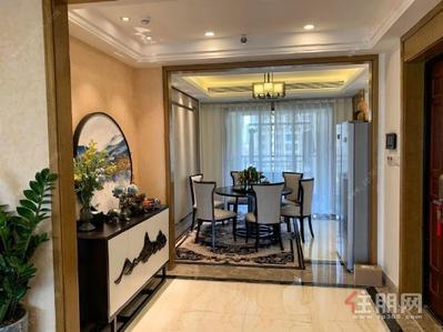 良庆周边-龙光玖珑湖(一期) 6000元 4室2厅3卫 精装修采光好,拎包随时就可以入住!