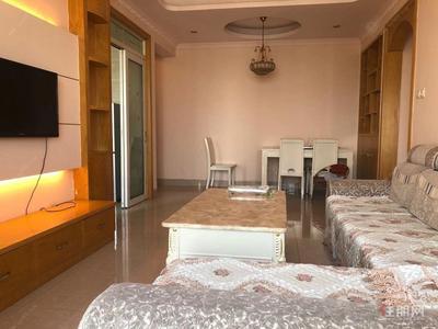 白沙大道-向日葵 欧式风格 小3房 配齐 仅租1800元