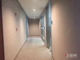 地铁口90平甲级写字楼出租 户型方正 合景国际金融广场五象新区