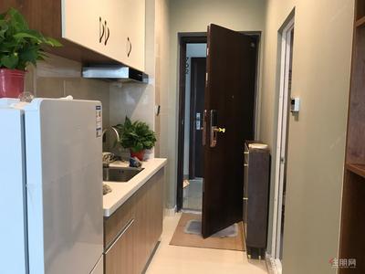 东葛路-绿地中央广场公寓出租,配套齐,全屋智能家具家电拎包入住