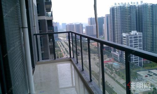 港口区-新行政中心三顺财富中心精装修3室2卫135平