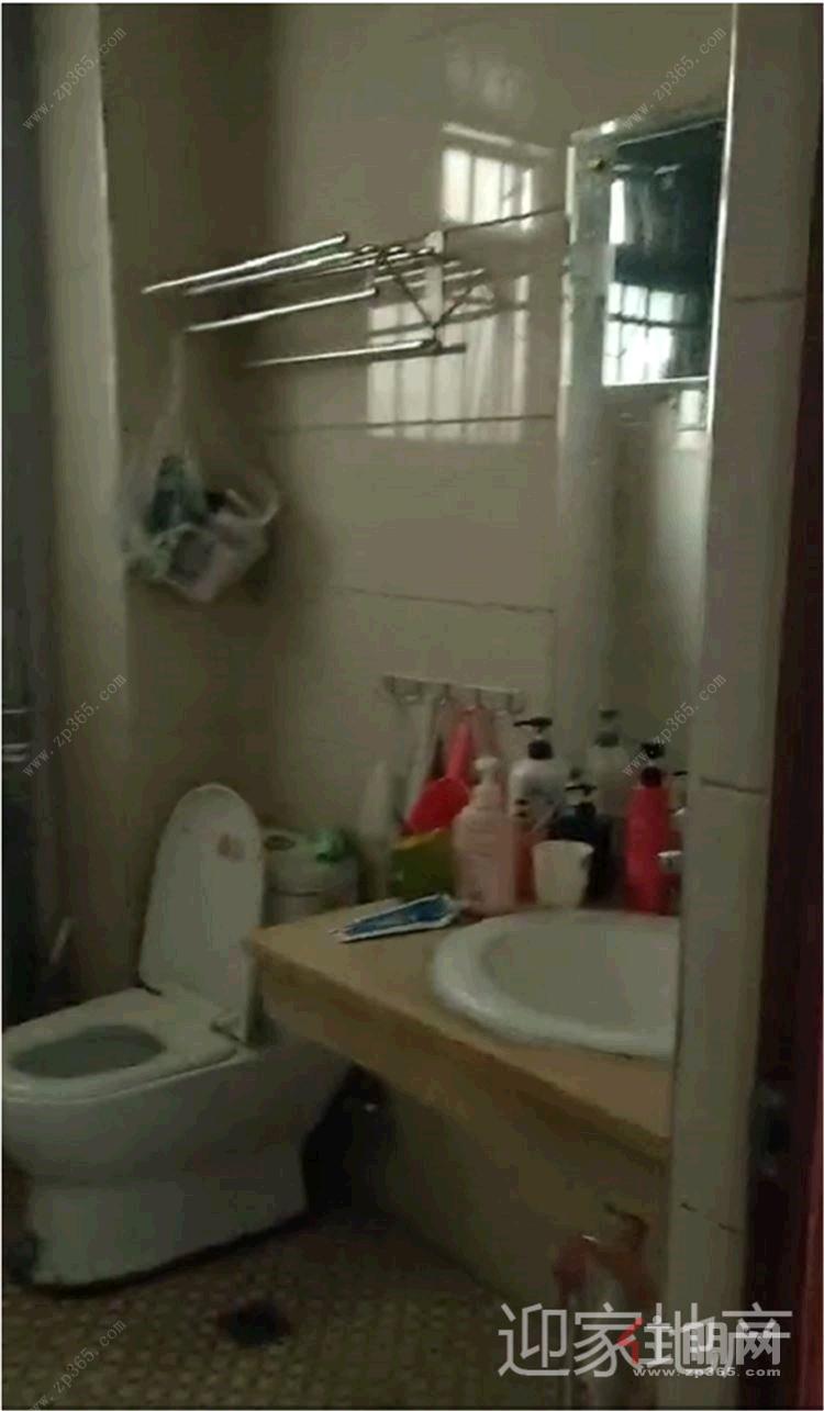 钦州市城东市场 海豚湾大厦  3房2厅1卫  精装 1800元/月