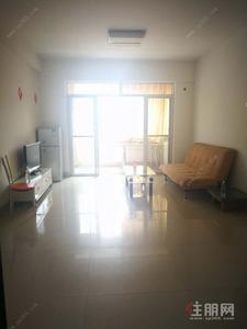 星光大道,星光大道玫瑰園 中裝修兩房1500/月 有電梯 干凈整潔 布藝沙發