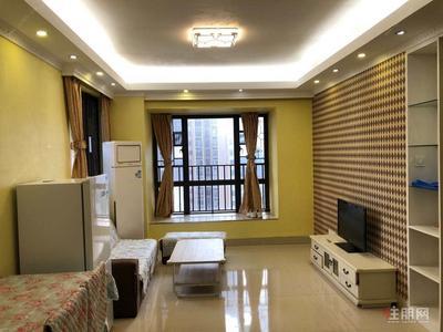 白沙大道-龙光普罗旺斯卡地亚庄园 1700元 2室2厅1卫 精装修,全家私电器出租