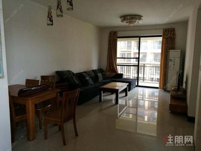 良庆区-瑞和家园 中装修三房 1800/月 干净整洁 布艺沙发 地铁2号线