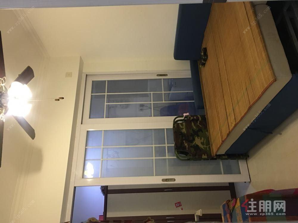 和居邕江郡 精装修两房 实图 2000/月 9成新 干净整洁