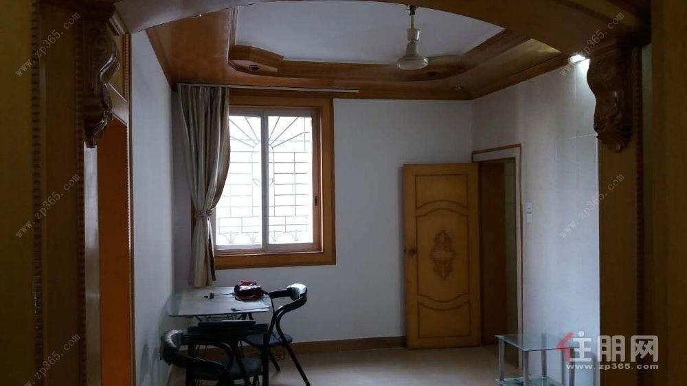 市青少年宫宿舍2室1厅75平米1500元出租