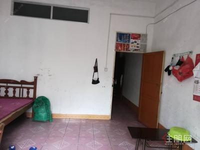 容县-河堤街旁桂南路单间及1室1厅出租