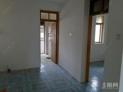 秀灵路-秀灵公寓大三房二厅出租