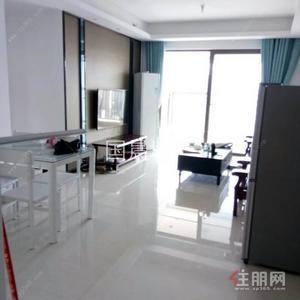 那洪大道 -地铁口龙光玖珑府三房  首次出租  2300元/月  配齐家电家具