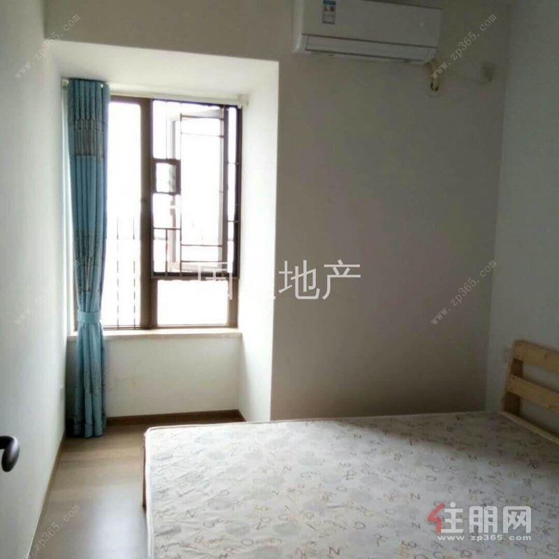 地铁口龙光玖珑府三房  首次出租  2300元/月  配齐家电家具