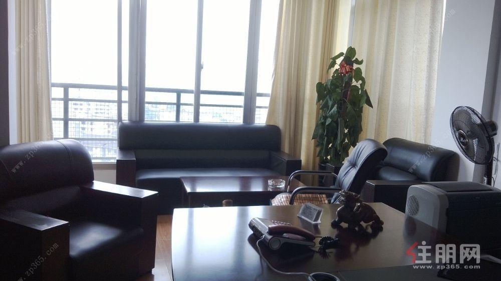 桃源教育路口百佳华百货对面观南湖邕江景167平米大户出租
