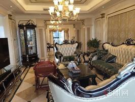 青秀区南湖公园,万达公馆,豪宅豪装大四房,有保姆房,价格实惠