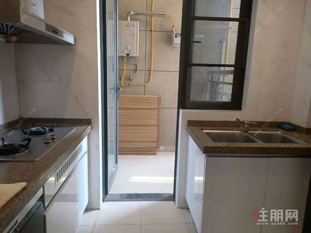 4号地铁 五象新区 恒大绿洲3房2厅2卫出租 2300元