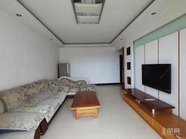大润发附近,精装两房,配套齐全,房子干净整洁,可拎包入住
