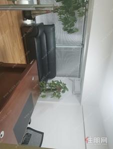 五象大道-大唐总部一号 写字楼精装修90平 租一层得两层 地铁直通负一楼