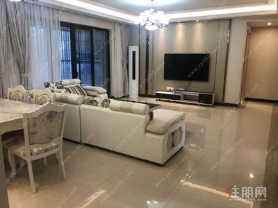 凤岭北-100%真实房源 荣和公园大道 130平重金精装4房 招租5000/月  在18楼