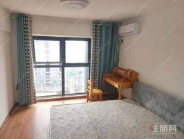 天誉城loft 一房一厅 1500 带独立阳台 精装配齐 价格优惠 可随时带看