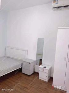 良庆区-云星钱隆首府 900中介费仅200 配齐单间 带独立卫生间 价格实惠 电梯房 随时看房