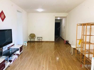 青秀區-談價勿擾 租金2300月 正規三房兩衛 誠心出租 現在可看