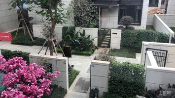 绿地东盟国际城 2号轻轨线 南宁2中 赠送2车库露台花园