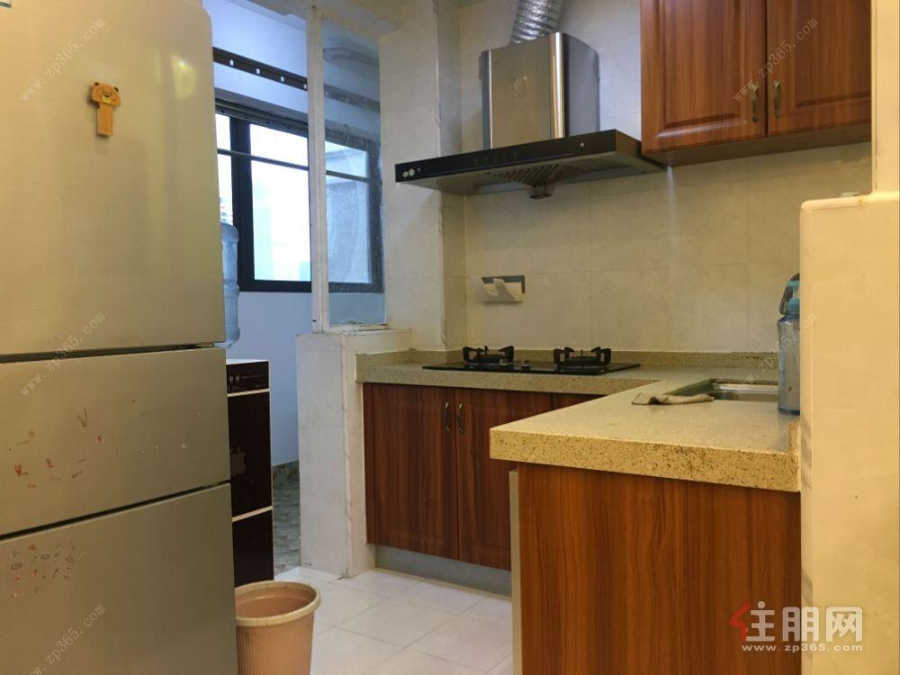 五象新区 总部基地 地铁口 89平米三房两厅 精装修 全送