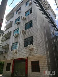 出售整栋五层半楼,坐北朝南,四面见光,临街独栋楼房