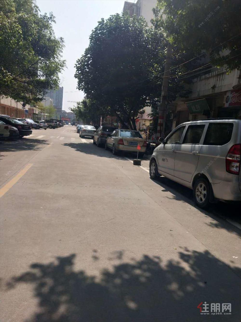 玉东文化广场玉兰花园,一线商铺,仅售59.8万。