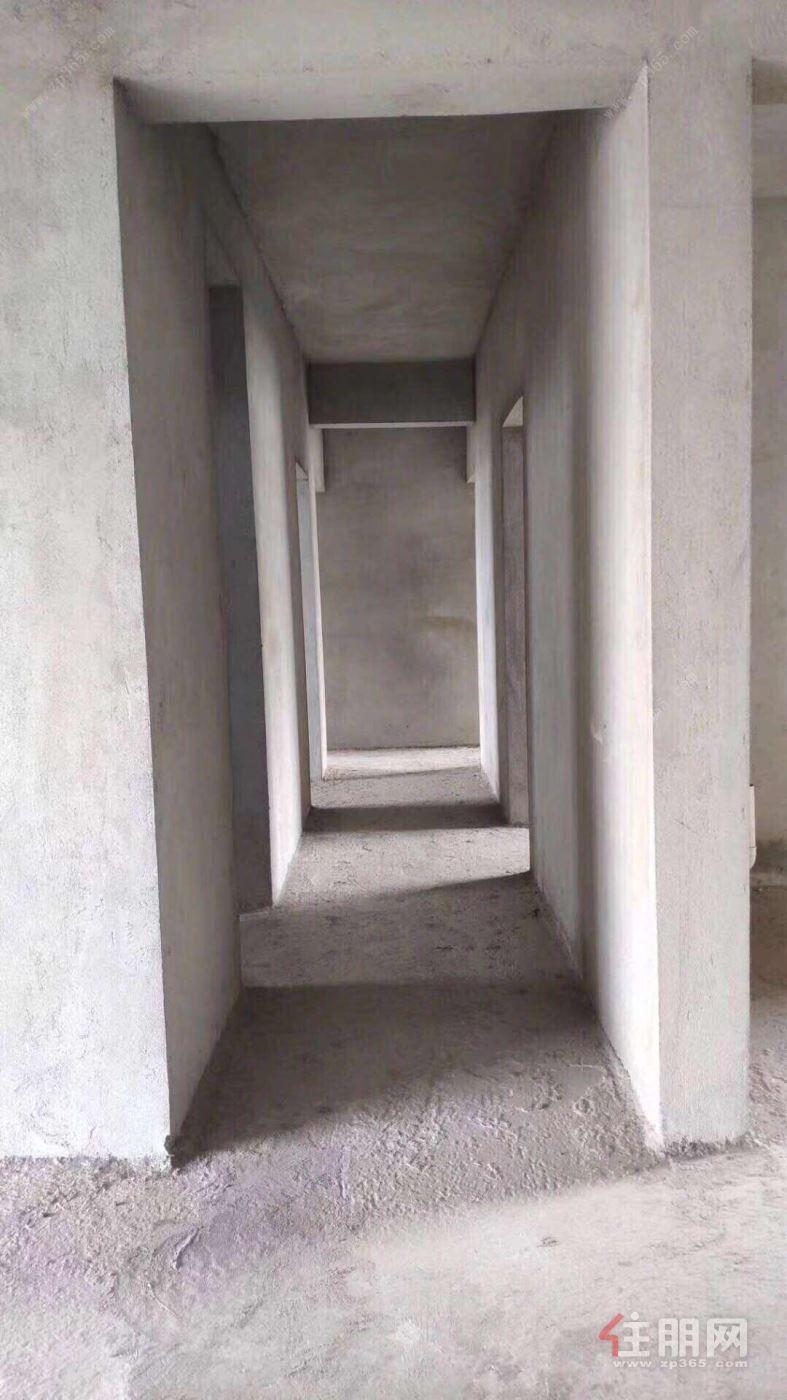 市中心美林街金谷大厦电梯毛坯3房采光无敌方便停车