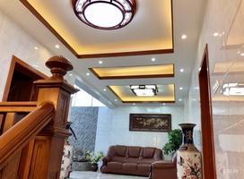 低于市场价50万 豪宅出售 首付18万 三层楼中楼 带露台
