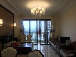 吾悅廣場旁,精裝三房,單價一萬,中間樓層 有證可過戶