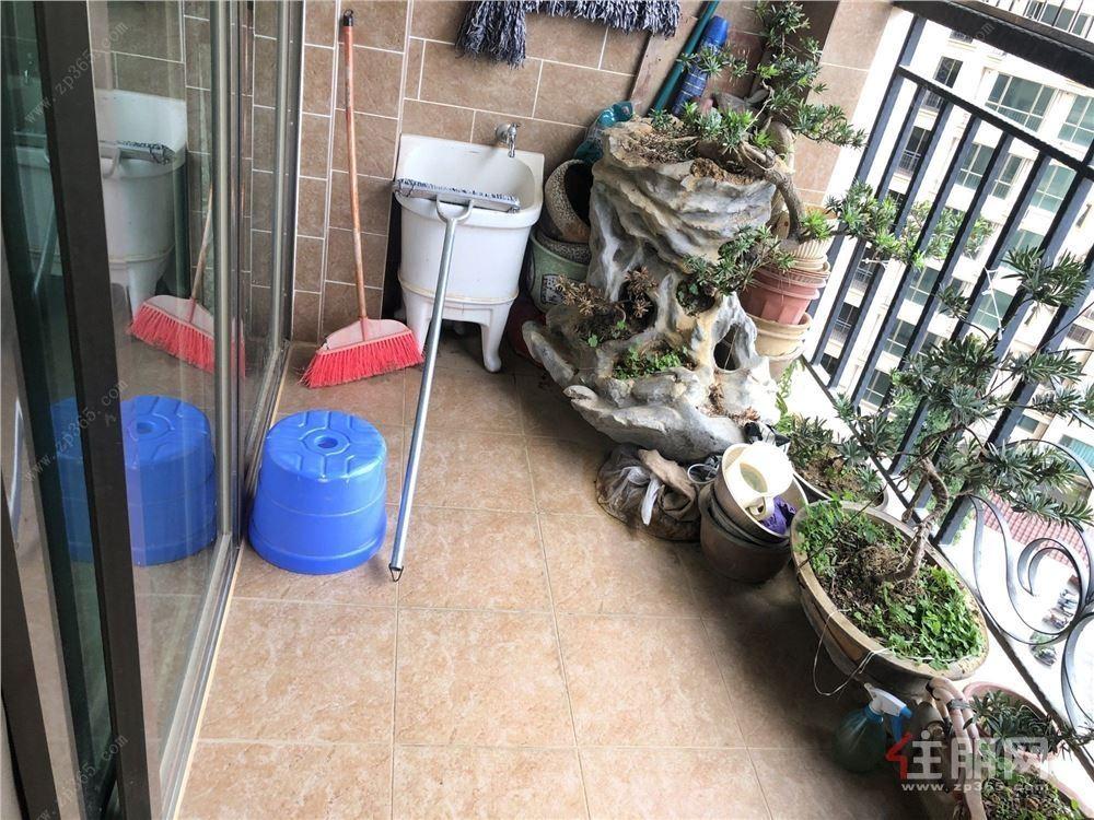 广西大学地铁站瀚林御景精装3房带车位出售 保养好看房方便