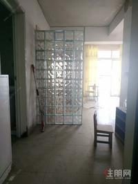 秀田小学电梯一房一厅